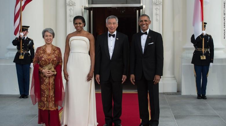161017153627-obama-singapore-state-dinner-exlarge-169